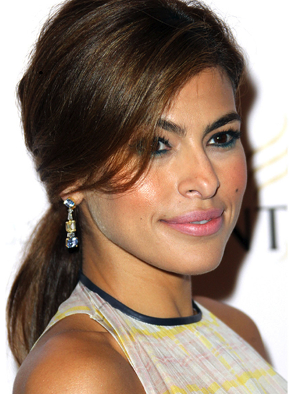 Low ponytail Eva Mendes